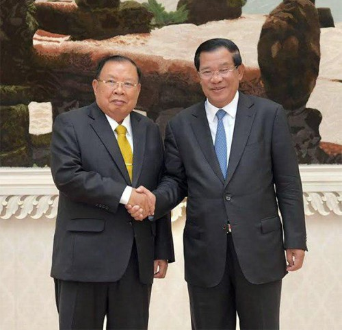 In the afternoon of 22 February 2017 Samdech Techo Hun Sen receives H.E. Bounnhang Vorachith, President of the Lao People's Democratic Republic, for their working discussion at the Peace Palace.