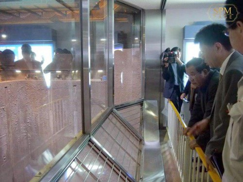 In the morning of 8 August 2017 Samdech Techo Hun Sen visits Shin-Koto Incineration Plant in Tokyo.