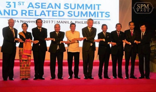 In the morning of 13 November 2017, Samdech Techo Hun Sen attends the 31st ASEAN Summit and related meeting which is being held at the Cultural Center of the Philippines, in Manila.