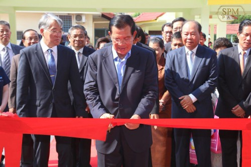 In the morning of 14 May 2018, Samdech Techo Hun Sen inaugurates together with South Korean Ambassador to Cambodia H.E. Oh Nak-young the Cambodia-Korea Friendship Building in the compound of the National Pediatric Hospital, in Phnom Penh.