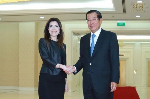In the morning of 17 May 2018, Samdech Techo Hun Sen receives newly appointed Ambassador of Turkey to Cambodia H.E. Ms. Ayda Ünlü, at the Peace Palace for a talk.
