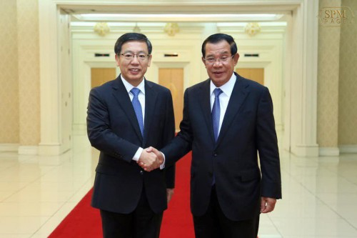 In the morning of 28 December 2018, at the Peace Palace, Samdech Techo Hun Sen holds talks with H.E Wang Wentian, Chinese Ambassador to the Kingdom of Cambodia.