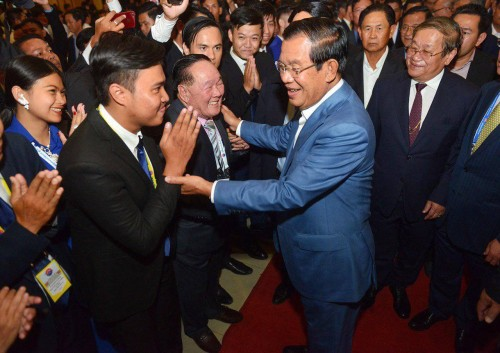 In the evening of 11 January 2019, Samdech Techo Hun Sen holds the 3rd annual meeting and hosting a solidarity dinner reception with more than 4,000 media leaders, spokespersons, information officers and journalists from across the country, at Koh Pich Convention and Exhibition Centre.