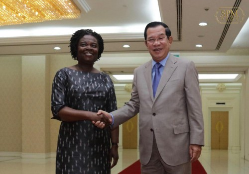 In the morning of 16 September 2019, Samdech Techo Hun Sen receives visiting Vice President of the World Bank for East Asia and Pacific Region H.E. Ms. Victoria Kwakwa for a talk at the Peace Palace in Phnom Penh.