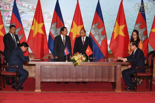 In the morning of 4 October 2019. Samdech Techo Hun Sen and his Vietnam's counterpart H.E. Nguyen Xuan Phuc co-witness the signing ceremony of 7 agreements between the two countries, in Hanoi, Vietnam.