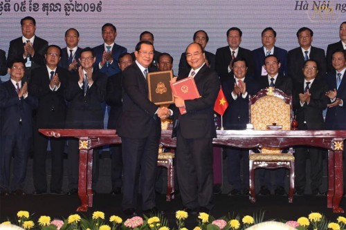 In the morning of 5 October 2019, Samdech Techo Hun Sen and Vietnamese Prime Minister H.E. Nguyen Xuan Phuc co-chairs the Review Conference on Cambodia-Vietnam Land Boundary Demarcation.