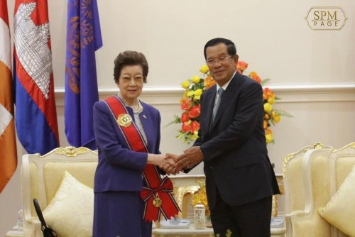 In the morning of 16 January 2020, Samdech Techo Hun Sen holds a meeting with H.E. Mrs. OBUCHI Chizuko, wife of Keizō Obuchi, former Prime Minister of Japan, at the Peace Palace.