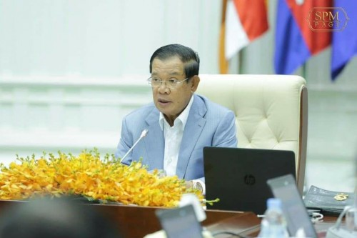 In the morning of 3 July 2020, Samdech Techo Hun Sen chairs the planery Cabinet meeting, at the Peace Palace.