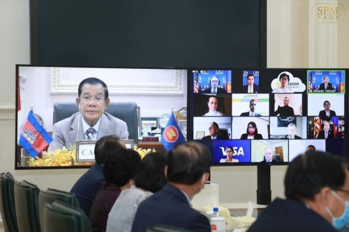 At the Peace Palace, on 21 September 2020, Samdech Techo Hun Sen holds a vdo-conference meeting with the US-ASEAN Business Council's delegates.