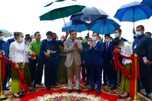 In the morning of 7 October 2020, Samdech Techo Hun Sen inaugurates the Prince Manor Resort, at Dey Edth Kos Pos Village, Kien Svay District, Chbar Ampov, Phnom Penh.